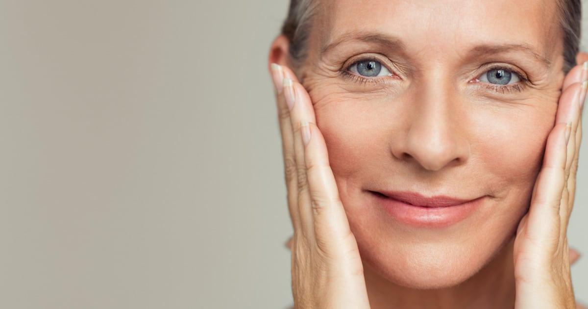 Flacidez facial: o que causa e como tratar o problema?