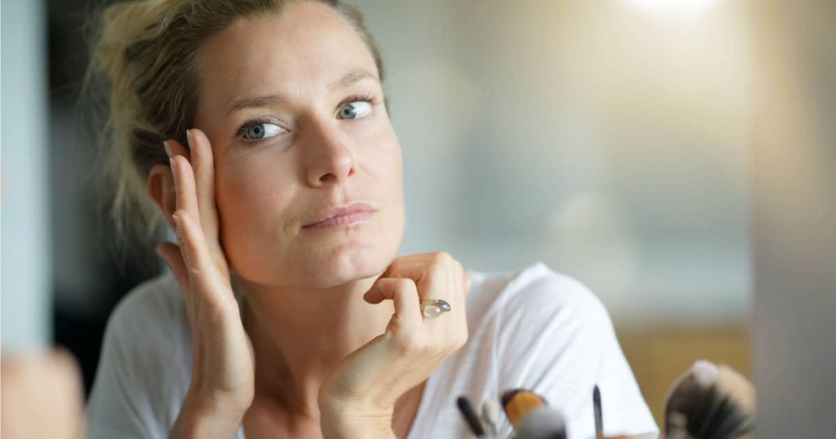 10 fatores que causam o envelhecimento precoce do rosto